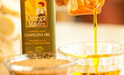 Свойства, особенности и полезный состав рыжикового растительного масла