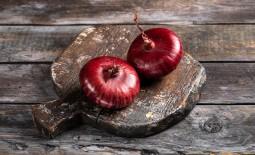 Крымский лук – красная жемчужина южного побережья