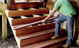 Как сделать к дому деревянное крыльцо с навесом своими руками