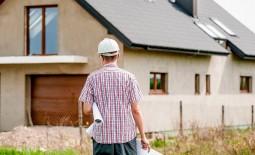 Вернем даче неотразимый вид: 8 эффектных способов обновить фасад дома