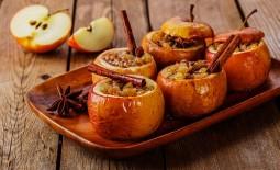 Вкусные и полезные рецепты печеных яблок. 6 видов лакомств, приготовленных в духовке
