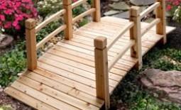 Декоративный мостик для сада: из чего и как сделать своими руками