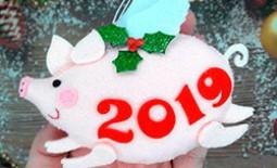 Как оригинально и стильно украсить елку к приходу Нового года 2019