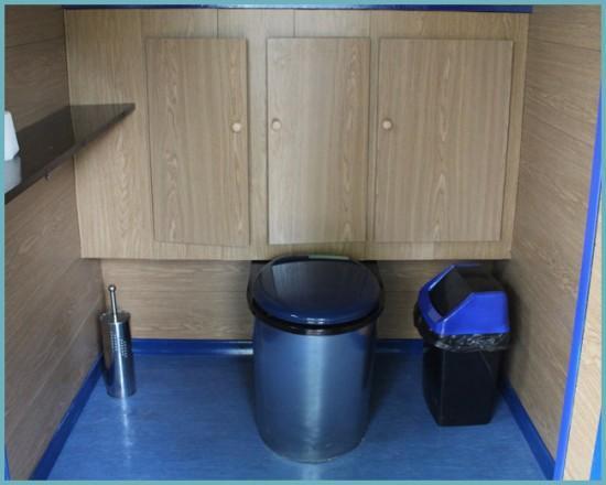 преимущества пластикового унитаза для дачного туалета