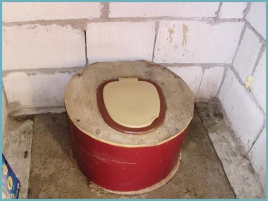 как сделать унитаз для дачного туалета своими руками