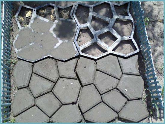формы для садовой дорожки