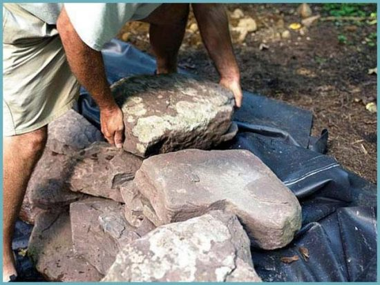 камни для водопада на даче