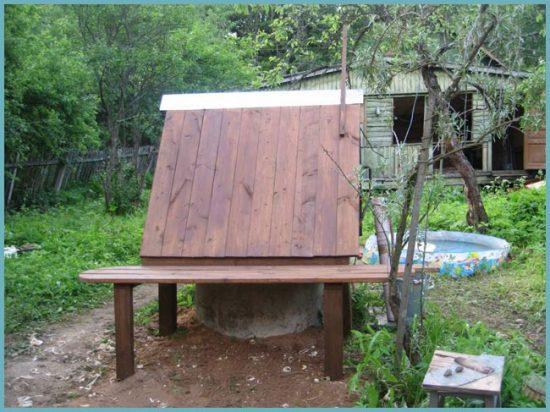 Домик защитит колодец от замерзания и попадания мусора