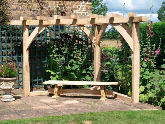 строительство арки в саду