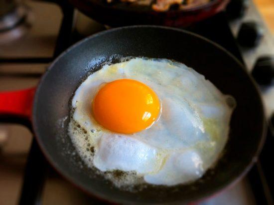 яичница из гусиного яйца