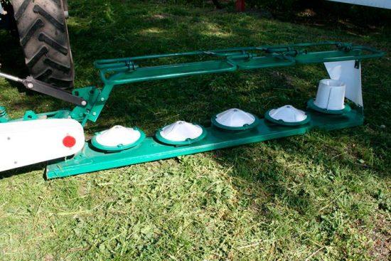 устройство для покоса травы