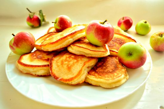 выпечка с яблоком