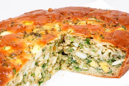 пирог с яйцо и зеленью
