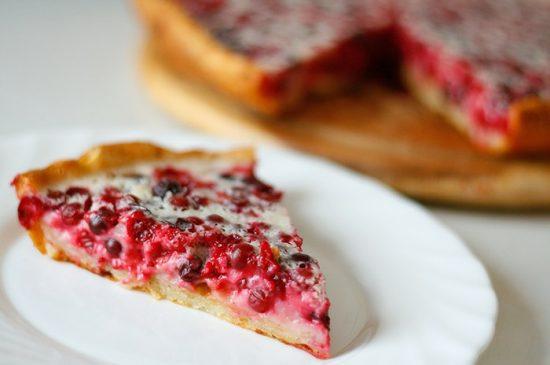 открытый ягодный пирог