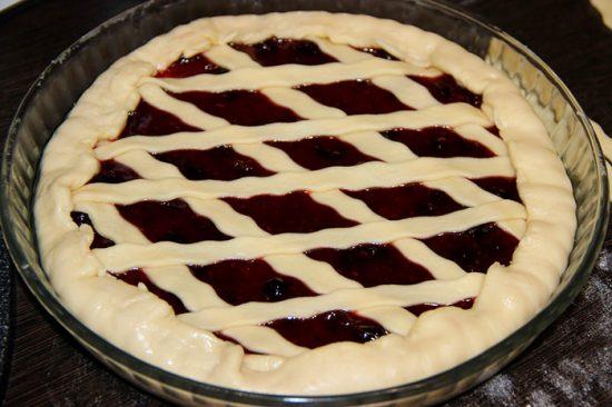 дрожжевой пирог
