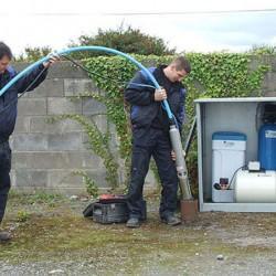 монтаж глубинного насоса для скважины