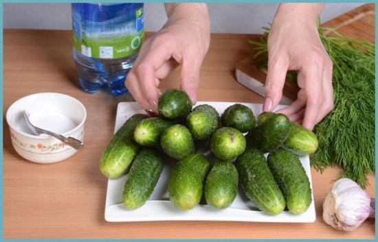 как закрыть салат из огурцов на зиму